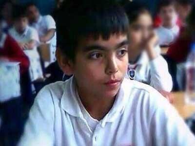 Berkin Elvan, 15 enne, morto dopo 270 gg di coma. Era uscito a prendere il pane e gli hanno sparato un candelotto lacrimogeno