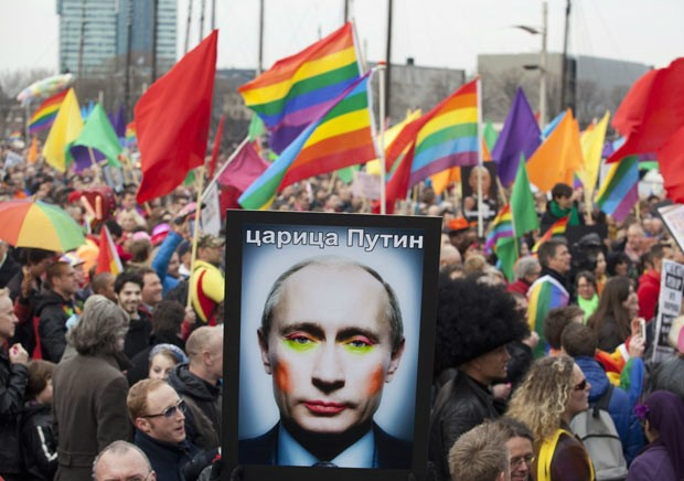putin-gay-pride-parade