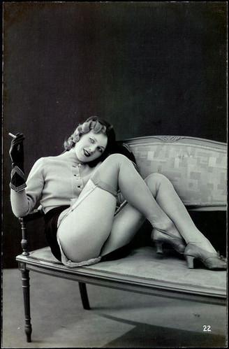 author-unknown-black-and-white-blonde-cigar-cigarettes-will-kill-you-erotic-Favim.com-37842