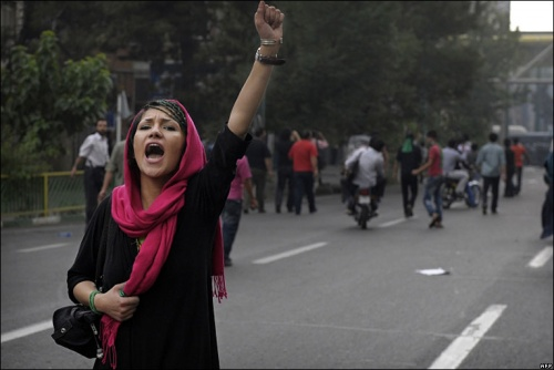 iranian-woman-protester1-2