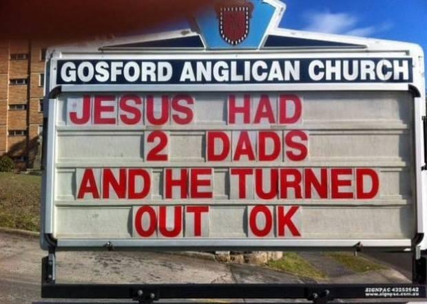 """""""Gesù ha avuto due papà ed è venuto su bene"""""""