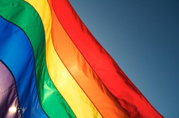 2013-04-11-Images-GayPrideFlag