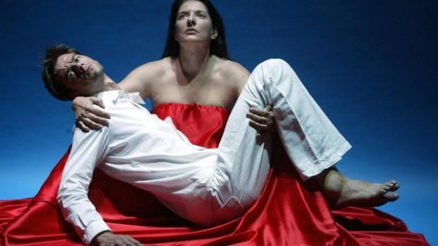 Marina Abramovic nella performance 'The Biography Remix' diretta da Michael Laub (10 luglio 2005)