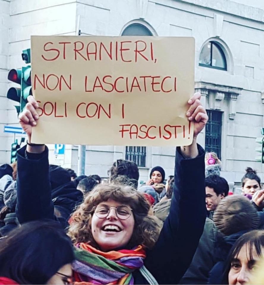 Risultati immagini per immigrati non lasciateci soli con gli italiani